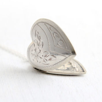 Vintage Sterling Silver Heart Locket Necklace- Mid Century WWII 1940s Sweetheart Flower Jewelry