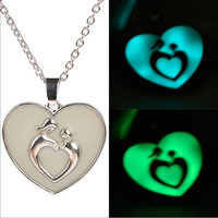 Shiny Jewelry New Arrival Stylish Gift Hot Sale Heart Noctilucent Pendant Gifts Necklace [8026113543]