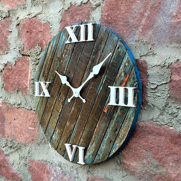 Rustic & Antique Round Wall Clock of Reclaimed Wood - Charcoal