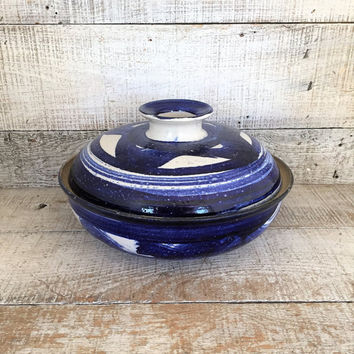 Pottery Pot with Lid Stoneware Bundt Pan Stoneware Chicken Roaster Vertical Chicken Roasting Pan Lidded Baking Dish Pottery Cake Baking Pan