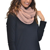 Chunky Cable Knit Infinity Scarf - Rose