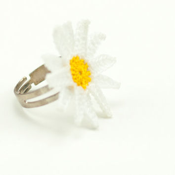 Crochet Lace White Daisy Ring - Adjustable Daisy Ring - Statement Ring - Jewelry Handmade - Fiber Art Jewelry