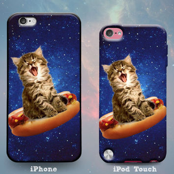 Kitten in Space Laughing on Hot Dog Starry Night Sky Galaxy Stars Cat Funny Rubber Case for iPhone 7 6s 6 Plus iPhone SE 5s 5 5c iPod Touch