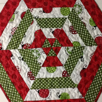 Red and Green Hexagon Christmas Table Topper, Quilted Christmas Table Mat, Quiltsy Handmade