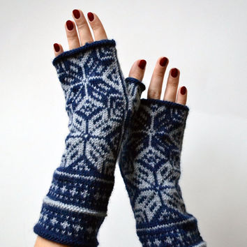 Scandinavian Fingerless Gloves - Grey and Navy Blue Fingerless - Wool  Knit Gloves - Christmas Gift - Boho Gloves - Winter Accessories nO 69