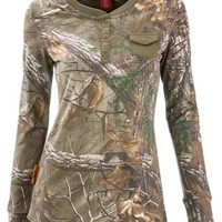 SHE Outdoor Pocket Henley Camo Shirt for Ladies | Bass Pro Shops