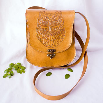 Genuine leather cross body bag with hand tooled owl design / leather bag / handbag / leather clutch / leather purse / leather wallet