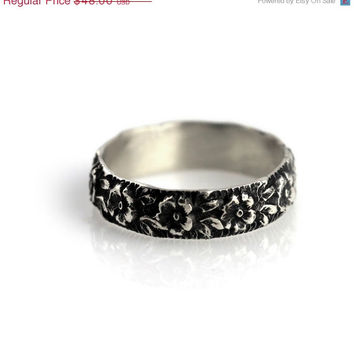 20% OFF Cyber Monday Wide floral ring - sterling silver ring