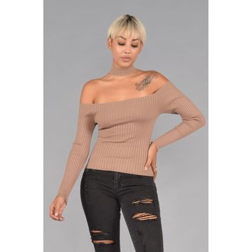 Off the Shoulder Ribbed Sweater Choker Top