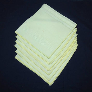 Set of 6 Vintage 1980 Woven Dinner Napkins in Lemon Yellow, 17 x 16 Inches, Poly Cotton, Easy Care, Vintage Napkins, Vintage Linens