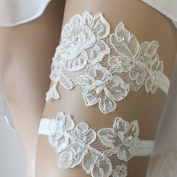 Free Ship Ivory lace wedding garter set  garter, Wedding Garter, garters, lace Garter,