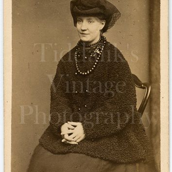 CDV Photo Carte de Visite Victorian Woman 'Mrs. Pinnus', Whitby Jet Necklace, Astrakhan Coat, Portrait - Samuel A Walker of London - Antique