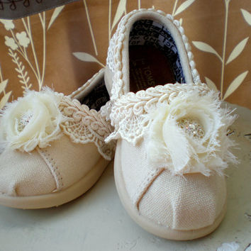 Flower Girl Toms