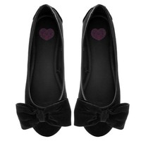Black Velvet Oversized Bow Flat