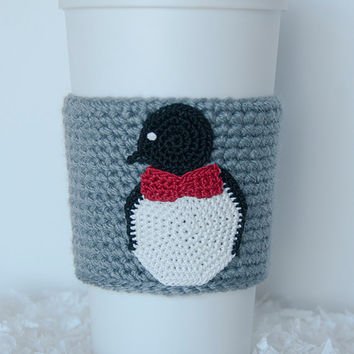 Bowtie Penguin Cozy, cup cozy, coffee cozy, crochet sleeve, crochet penguin applique, gray sleeve, black and white penquin