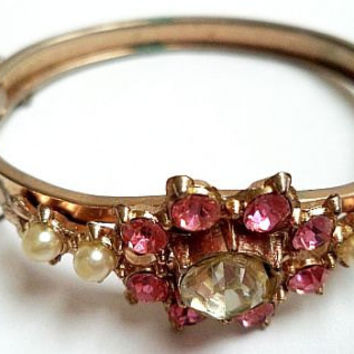 Bangle Bracelet Pink Rhinestones & Faux Pearls Flower Design Etched Gold Metal Security Chain Vintage