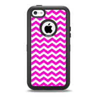 The Pink & White Chevron Pattern Apple iPhone 5c Otterbox Defender Case Skin Set