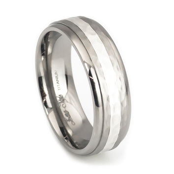 Silver stripe hammer finish titanium rings-dome