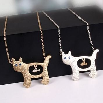 New arrival cute cat eat fish pendant necklace for women popular lovely animal cat necklace collar jewelry personality gift