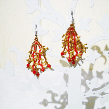 Dangling earrings in the colour red, golden brown and gold with red glass beads, coral earrings, beaded earrings, red earrings, red jewelry