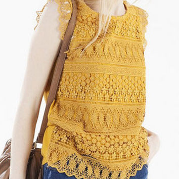 Yellow Lace Sweet T-shirt