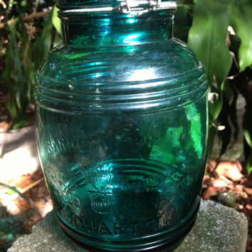 "Large ""Cracker Barrel Style"" Green Apothecary/Cookie Jar 3 Quarts"