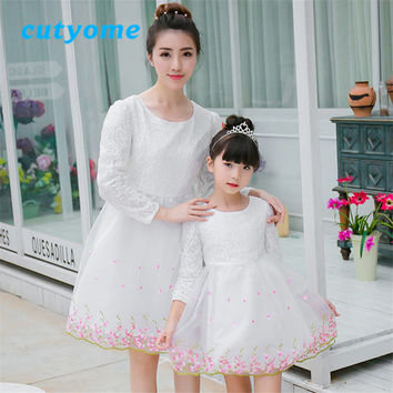 Fall Mother and Daughter Matching Dress Toddler Lace Floral Mom&Daughter Long Sleeve Wedding Dress Familylook Matching Clothes