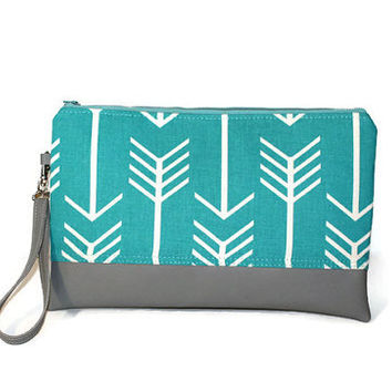 Light blue and white clutch, wristlet, two-tone clutch, arrow motif bag, faux leather bag, clutch, zipper pouch, bridesmaid clutch.
