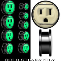 Outlet Glow in the Dark Saddle Plug in Anodized Black Titanium | Body Candy Body Jewelry
