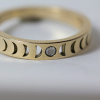 NEW: Bisclavret Moonphase Ring in 14k gold, set with a Rose Cut Diamond