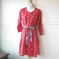 Casually Versatile Coral/Red Cotton Tunic; Women's Small Kurta-Style Red Print Long Sleeve Tunic w/ Side Slits; U.S. Shipping Included