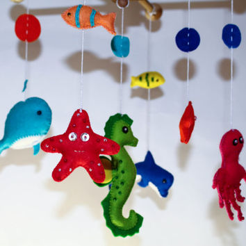 Shop sea nursery mobile on wanelo for Sea animal baby mobile