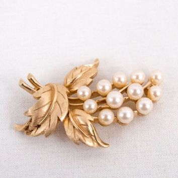 Crown Trifari Brooch Gold Tone Leaves Faux Pearl Signed Pin