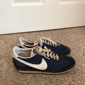 Vintage 80s Nike Cortez Navy Blue & White Swoosh Trainers Shoes size 7 -8.5 /Nike Vintage Retro Hip Hop Old School Track shoes Womens