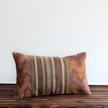 Modern Bohemian Lumbar Kilim Pillow. Vintage Tribal Turkish Rug Pillow Cover - Hand Woven - Old Kilim Pillow Cover
