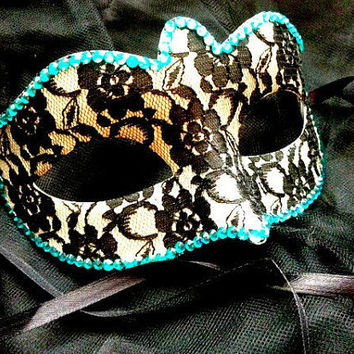 Lace Masquerade Mask With Rhinestones