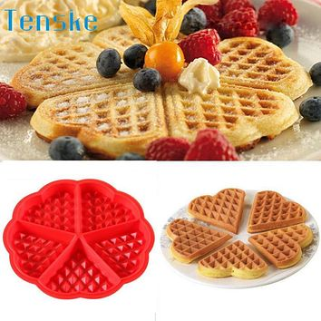 Plate New Kitchen Silicone Mini Round Waffles Pan Cake Baking Mould Mold Waffle Tray 2017 New Hot Sell 17may22 cozinha