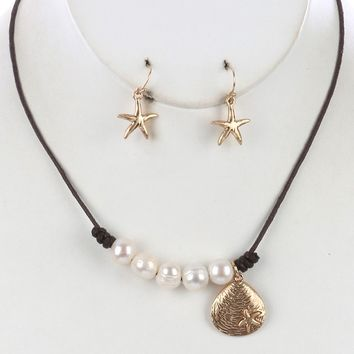 Seashell Charm Pearl Bib Starfish Matte Finish Etched Necklace Earring Set