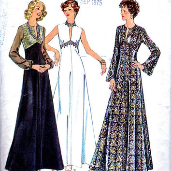 1970's Maxi Dress Pattern / Evening Gown / Prom Dress - Style 1313 Vintage Sewing Pattern - Bust 35""