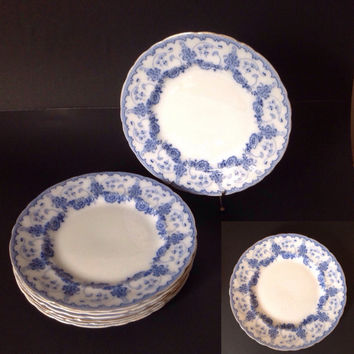 Antique Flow Blue Dinner Plates Burgess and Leigh Middleport Florian Set of 7 Daisy Pattern with Gold Trim