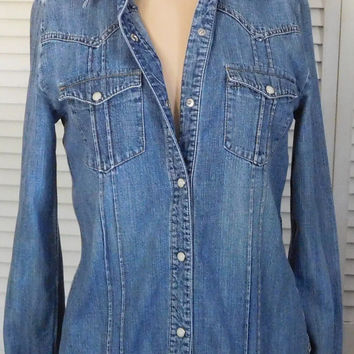 Cowgirl Jean Shirt Fitted Size Small Blue Jean Shirt Pearl Snap Buttons Hippie Boho Clothes Gypsy Cowgirl Glam Long Sleeve