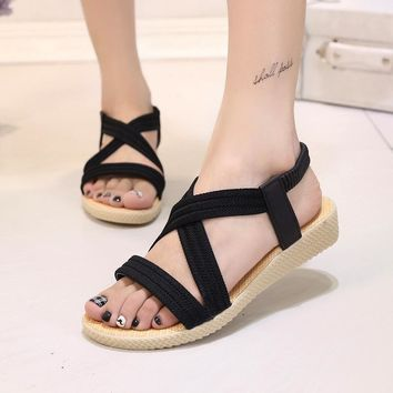Large Size Sandals Women 2017 Summer New Simple Flat Bottom Sish Mouth Sandals Solid Color Elastic Band Rome Sandals ABT585