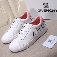 GIVENCHY Urban Street White And Pink Logo Reverse Sneakers in 149 White