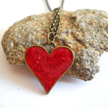 Red heart pendant, resin jewelry, small heart pendant, red heart necklace, resin pendant, antique brass, red glitter jewelry, glitter heart