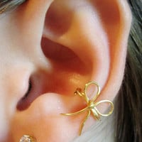 Dainty Bow Ear Cuff by Artistieke on Etsy