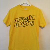 90's Vintage OREGON DUCKS Yellow T-Shirt- Size Small