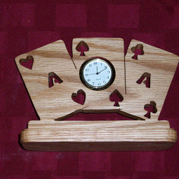 Wooden 3 aces miniature desk clock