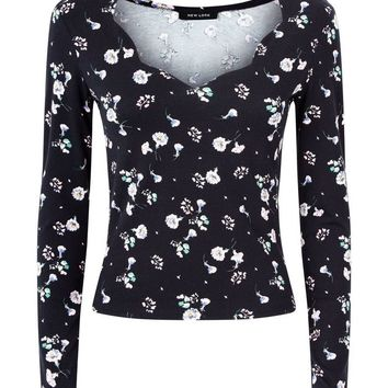 Black Floral Scallop Neck Top | New Look
