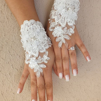 Free ship,  Ivory  3D  flower Wedding gloves Unique lace gloves adorned pearls french lace bridal gloves shabby chic