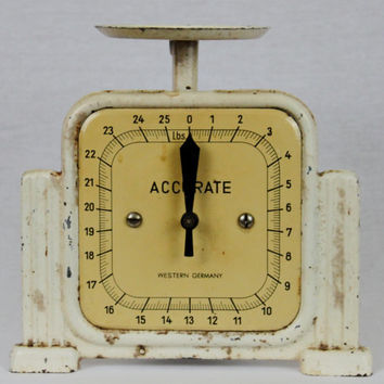 Vintage Antique Western Germany ACCURATE 25Lbs Kitchen Scale